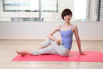 心斎橋で骨盤矯正のサロンをお探しの方へ~骨盤矯正やストレッチで健康をサポート~